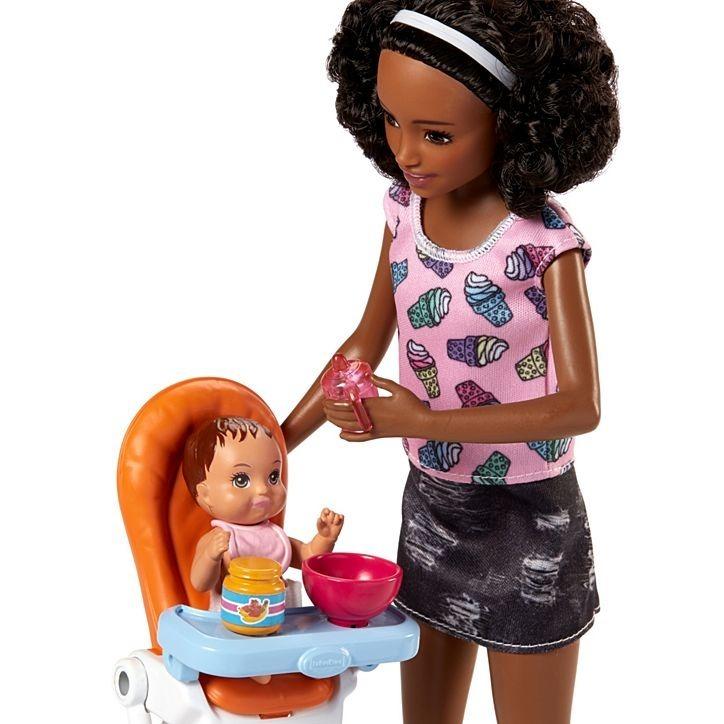 Skipper Babysitters Inc - Babá - Negra - Barbie - Cadeirão - R  166 ... bf72eb2126028