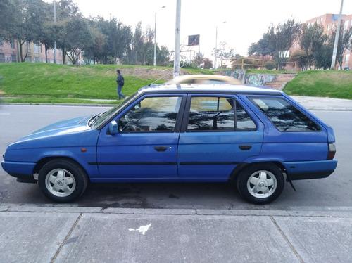 skoda forman motor 1.3 1995 azul 5 puertas buen estado