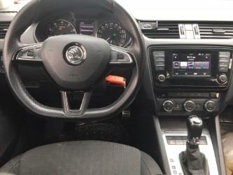 skoda octavia elegance 5 puertas !.440 cc turbo