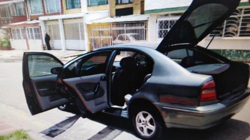skoda octavia hatback 1.6 mecánico 2002