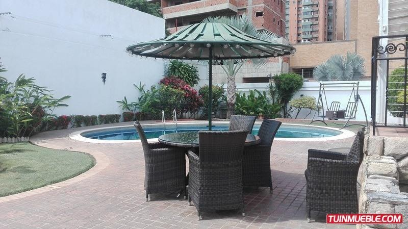 sky group vende casa con piscina la trigaleña calle cerrada