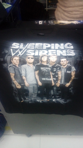 sleeping with sirens (excelente polo)