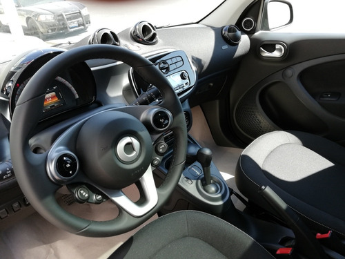 smart forfour 8.9l passion turbo . at