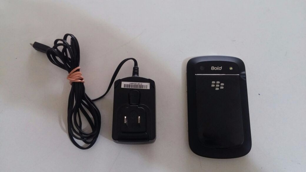 Smartphone Blackberry 9900 3g Wi-fi Gps Whatsapp E Outras