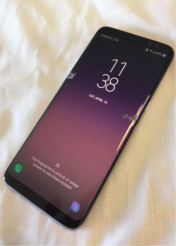 9c45676a6 smartphone celular samsung s8 tela trincada funcionando. Carregando zoom.