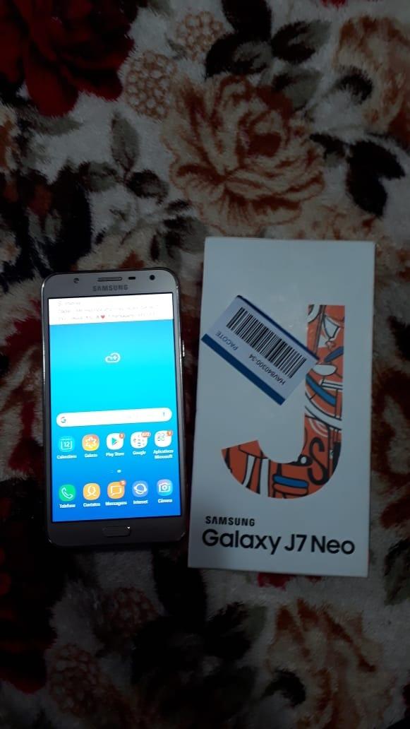 b010ce890fb Smartphone Samsung Galaxy J7 Neo Dourado Com 16gb