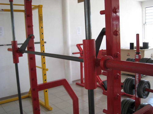 smith machine   marca: guerra fitness equipment