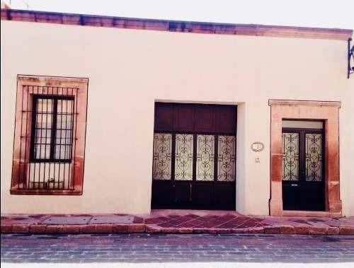 sms/ bella casa colonial en la mejor zona del centro