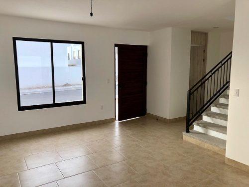 sms/hermosa casa nueva en el refugio en privada