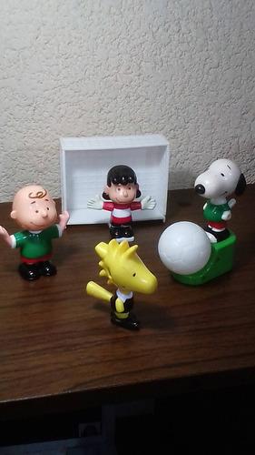 snoopy charlie brown mcdonalds futbol coleecion completa