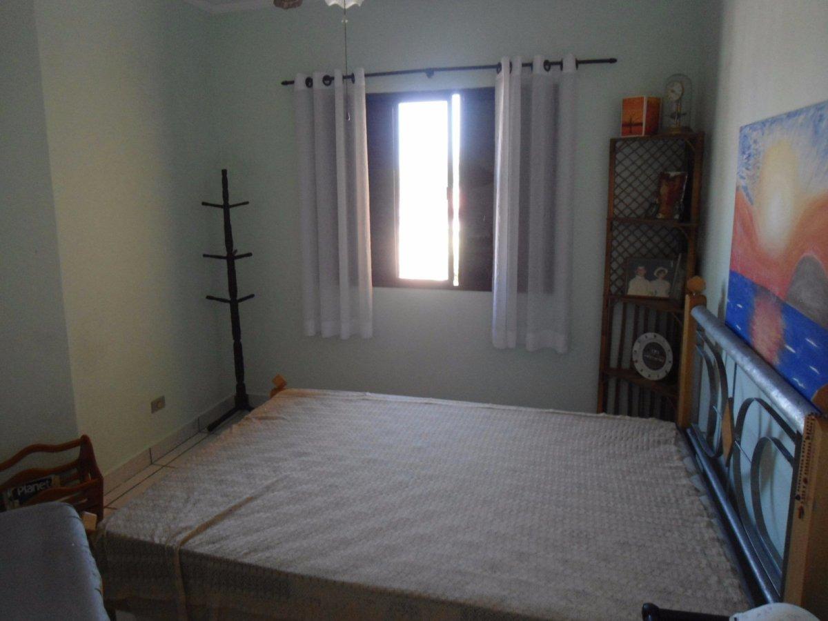 sobrado 02 dormitórios, frente mar (220).