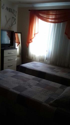 sobrado 3 dormitórios, 1 ste, 6 vagas. quintal, churrasqueir