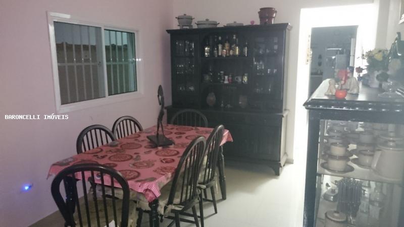 sobrado a venda em praia grande, balneário macaranã, 4 dormitórios, 4 suítes, 5 banheiros, 10 vagas - rb 0475