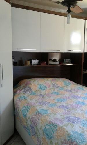 sobrado amplo 3 dormitórios 2 banheiros e varanda