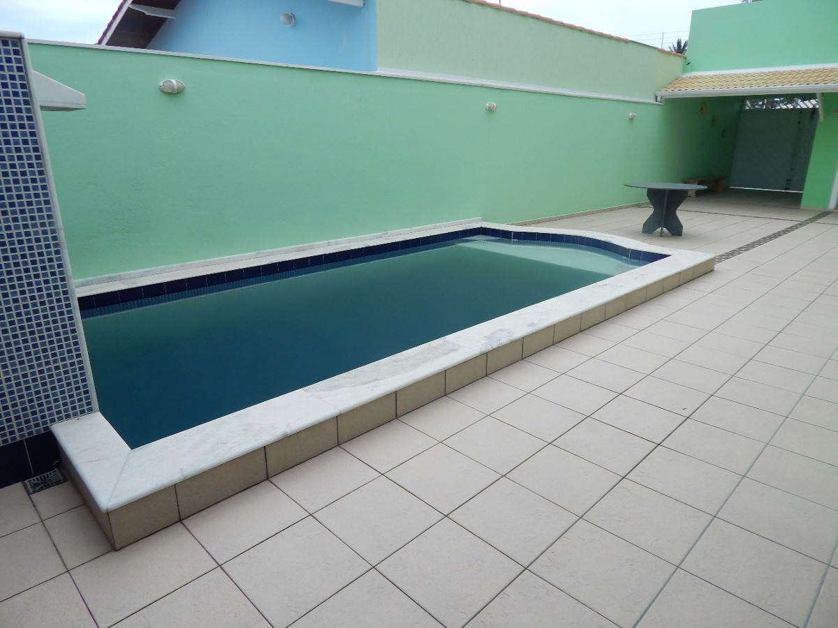 sobrado c/ piscina bairro oásis a venda na praia de peruíbe