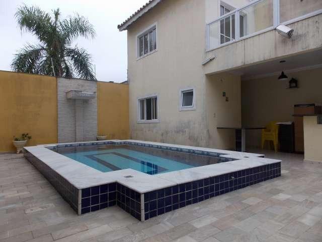 sobrado c/ piscina bairro oásis a venda na praia de peruibe
