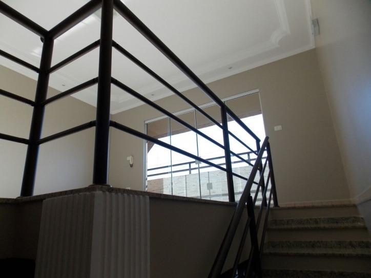 sobrado com 03 dormitórios jd planalto salto sp
