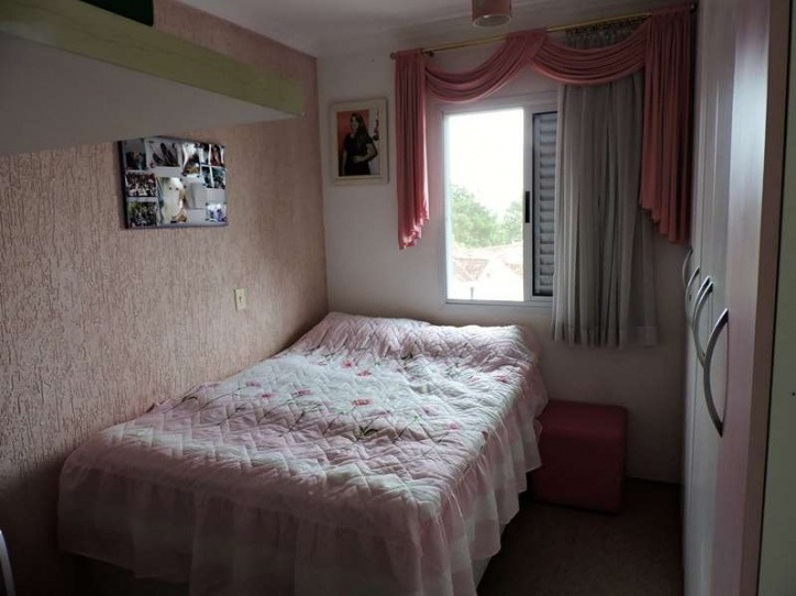 sobrado com 03 dormitórios (sendo 01 suíte). ref 79334