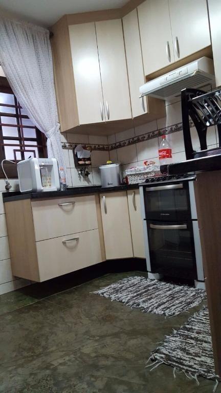 sobrado com 2 dormitórios à venda, 250 m² por r$ 590.000 - botujuru - mogi das cruzes - so0005