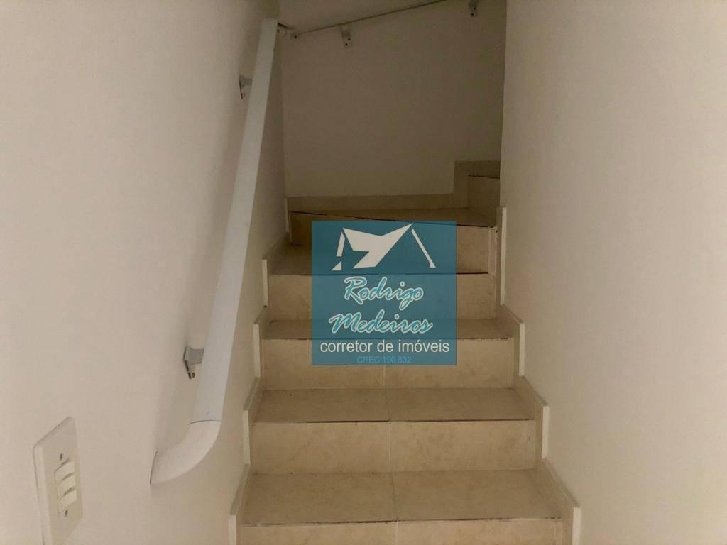 sobrado com 2 dormitórios à venda, 61 m² por r$ 207.000 - vila mirim - praia grande/sp - so0016