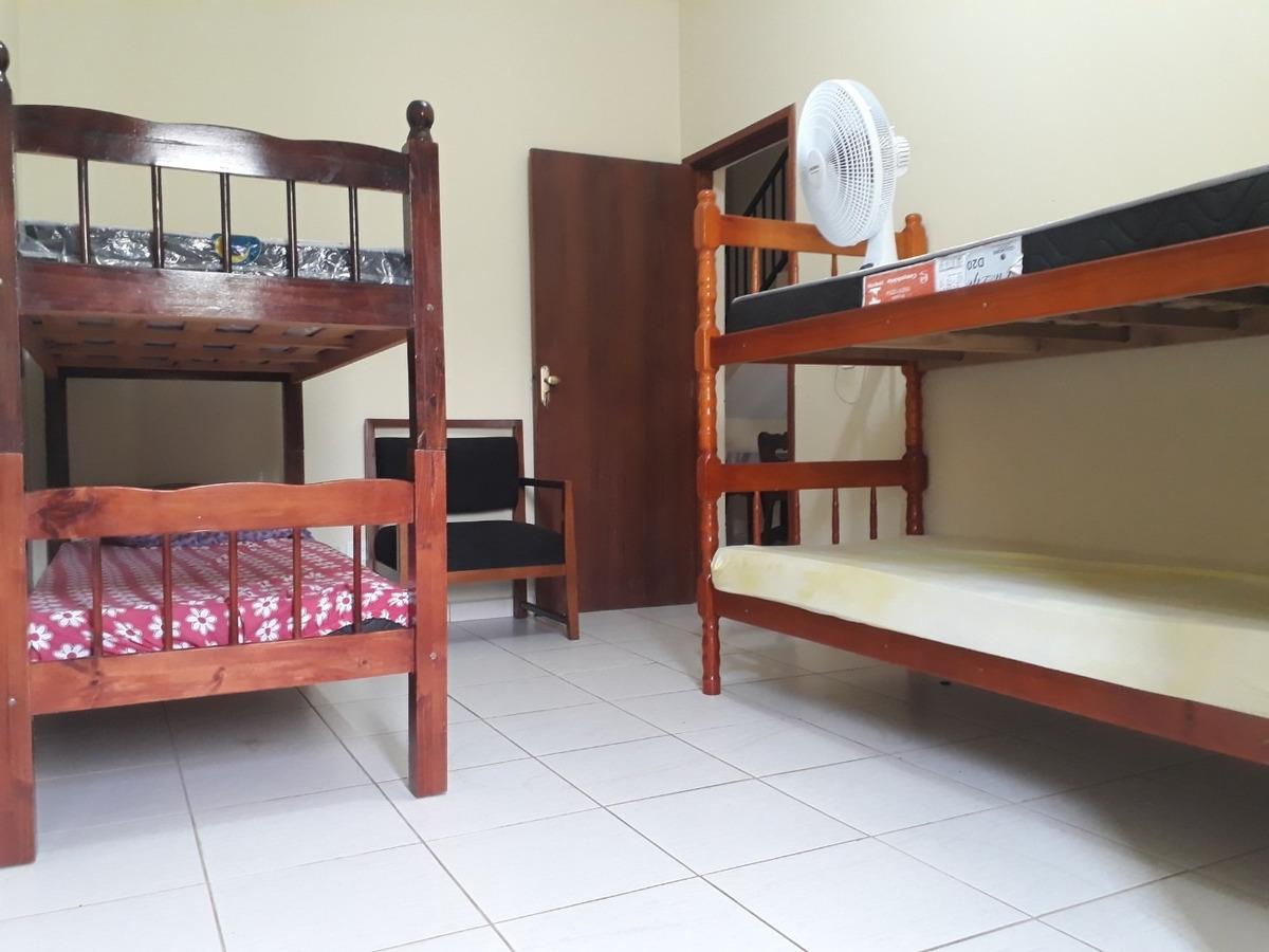 sobradão com 3 dormitórios a 200 metros da praia