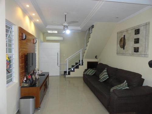 sobrado com 3 dormitórios à venda, 142 m² por r$ 650.000 - vila valença - são vicente/sp - so0528