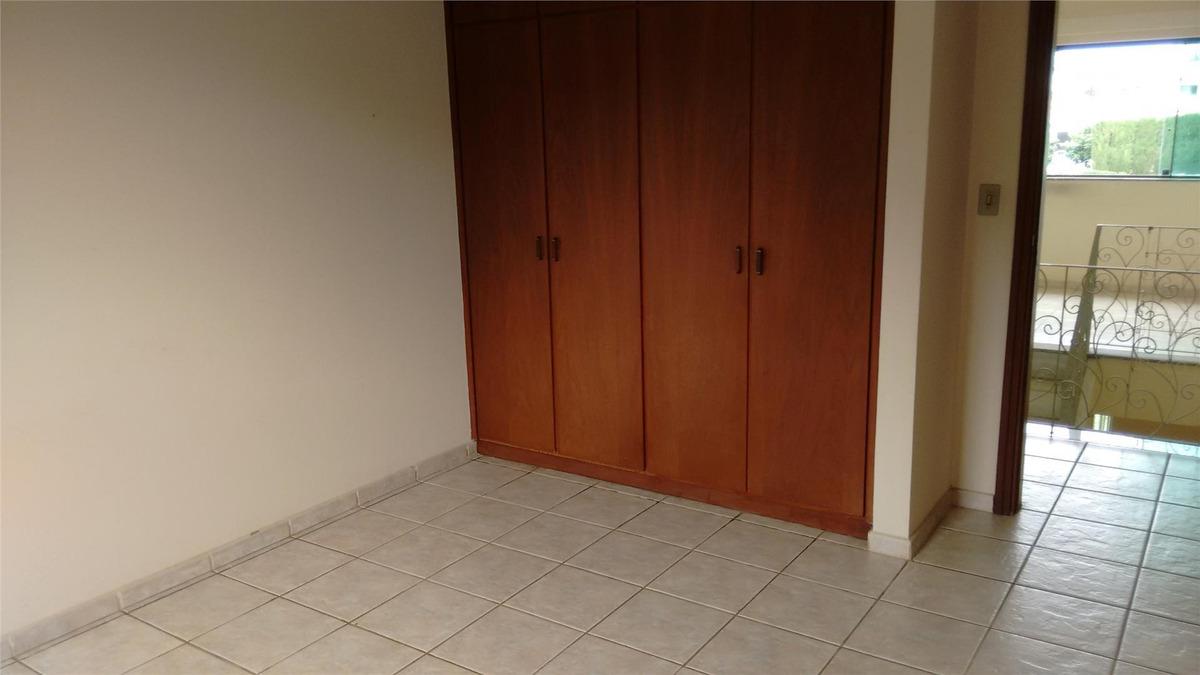sobrado com 3 dormitórios à venda, 345 m² por r$ 920.000,00 - condomínio portal do sabiá - araçoiaba da serra/sp - so1896