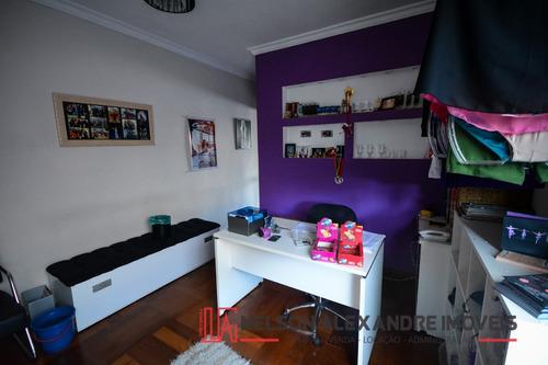 sobrado com 3 quartos 306 m²
