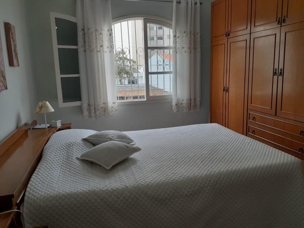 sobrado com 4 quartos - 3 banheiros - 3 vagas - 148 m²