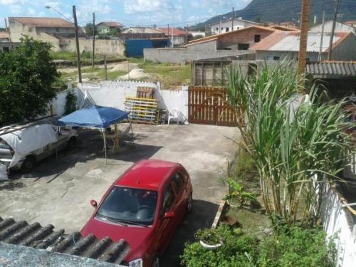 sobrado com garagem para 7 carros em peruíbe - 5864 | npc