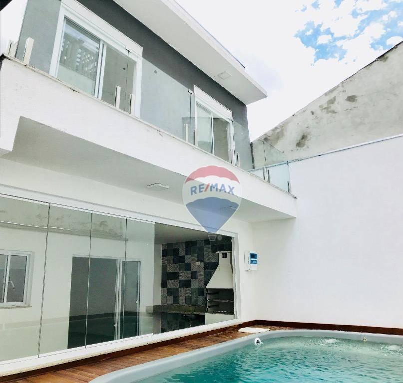 sobrado com piscina, 3 suítes em condomínio parque das figueiras - so0051
