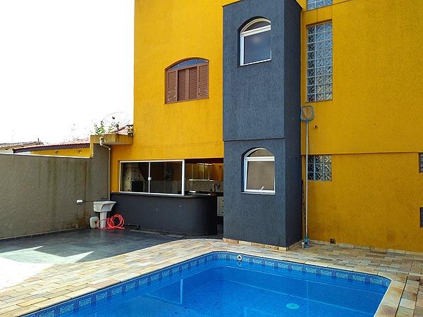 sobrado com piscina, churrasqueira, 4 quartos em itanhaem