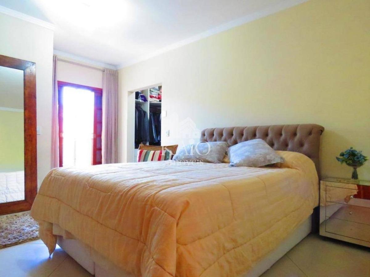 sobrado de 198m², 4 dorm, 1 suite, churrasqueira, 5 vagas