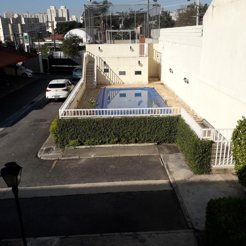 sobrado em condomínio com piscina, fl14