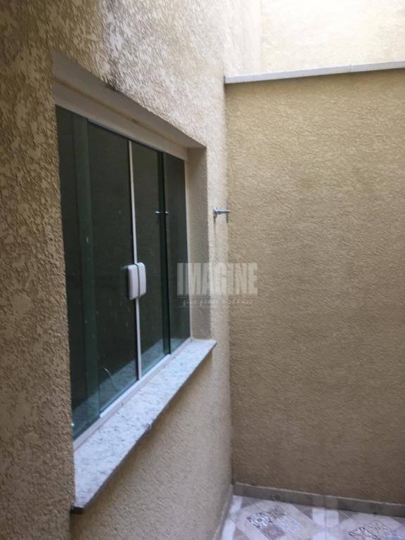 sobrado em condomínio na penha com 2 suítes, 2 vagas, 80m² - so0607