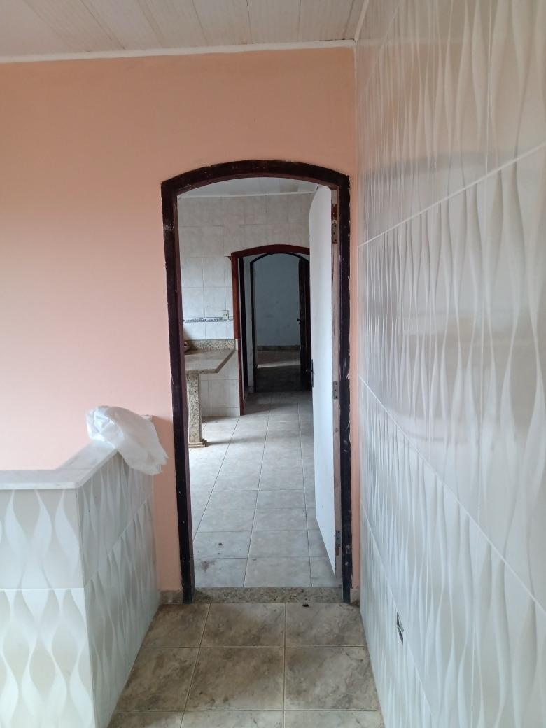 sobrado  em mongaguá  3 quartos 3 banheiro 3salas 2cozinha.