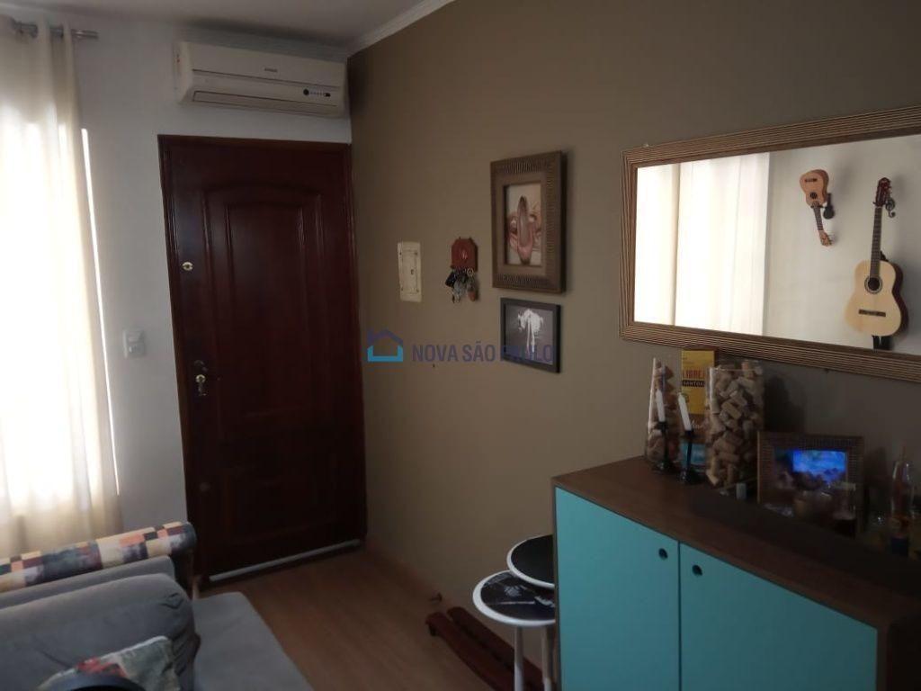 sobrado em são bernardo, perto da padaria 2 dormitórios, amplo, com ar condicionado, transp. público - bi25935