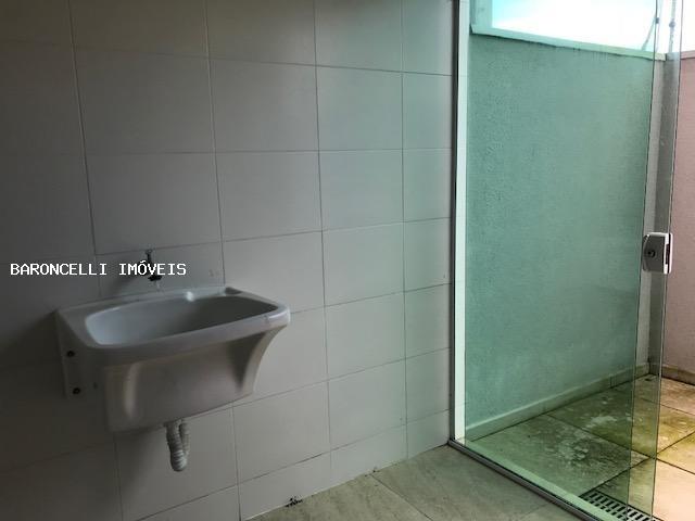 sobrado geminado a venda em itanhaém, belas artes, 3 dormitórios, 2 suítes, 3 banheiros, 2 vagas - rb 0627