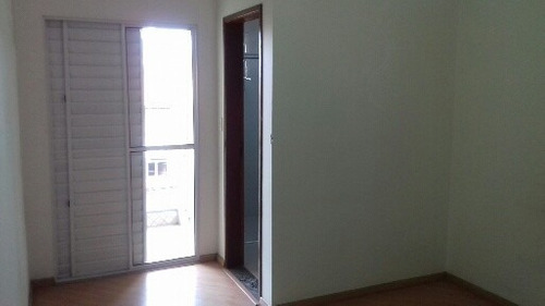 sobrado grande 3 dormitórios 1suítes 2 vgs aceita troca 2481