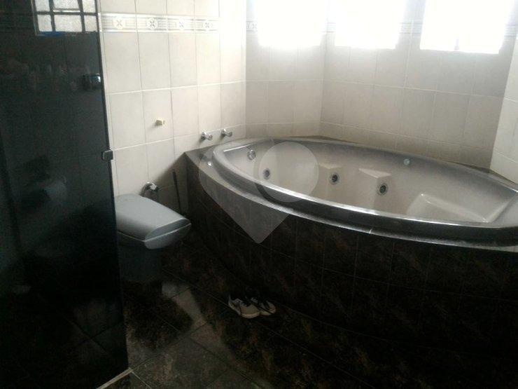 sobrado grande no bortolandia com 04 dormitorios sendo 02 suites 03 vagas de garagem - 170-im324624