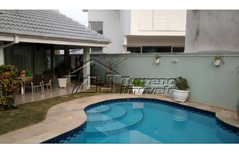 sobrado lindo em condomínio de alto padrão, com piscina em terreno de 533m² - urbanova