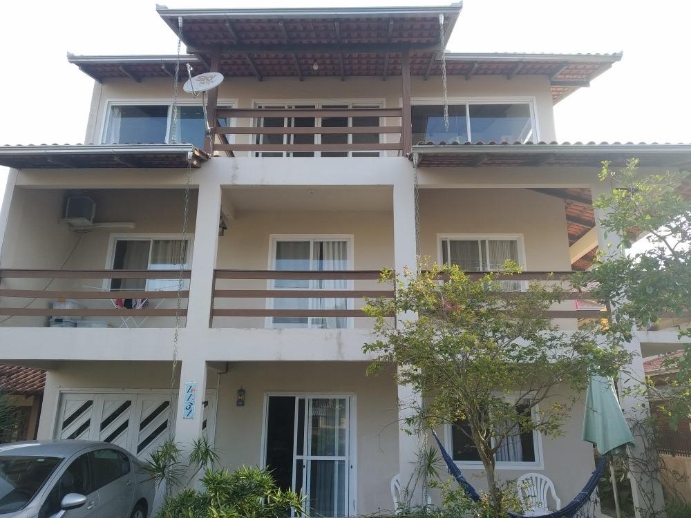 sobrado na praia da enseada com 8 quartos + 3 suites