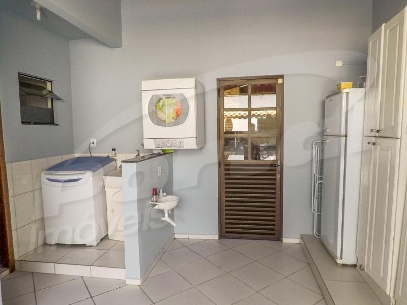 sobrado no bairro salto do norte, contendo 4 dormitórios, sendo 1 suíte e demais dep.. - 3576504