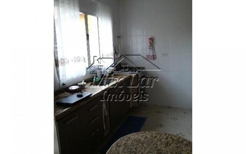 sobrado no bairro vila sul americana  - carapicuíba - sp, com 80 m² de área construída sendo 2 dormitórios, sala, cozinha, 1 banheiro e 2 vagas de garagens...