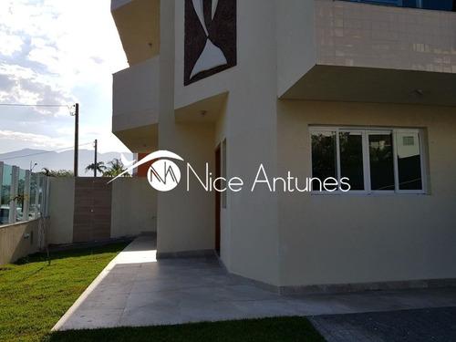 sobrado novo com 3 suites,sala ampla, quintal, 2 vagas, frente para o canal itapanhaú. - na11878