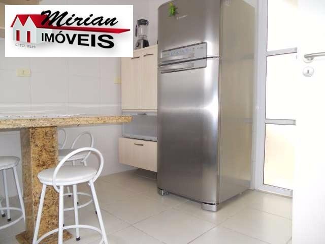 sobrado para venda no bairro centro de peruibe. 4 suites todos com aquecedores solares, sala para 2 ambientes, cozinha planejada, lavabo, spa para 4 p - ca00606 - 2670147
