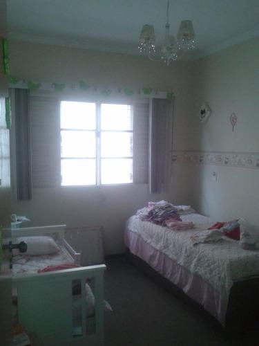 sobrado próximo av. kennedy. 3 dormitórios, 1 suíte, 3 vagas