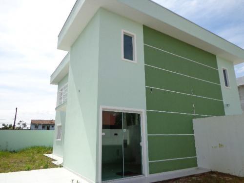 sobrado à venda com 02 dormitórios lado praia. ref.104/291