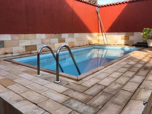 sobrado à venda em itanhaém, 4 quartos e piscina! ref 3822-p
