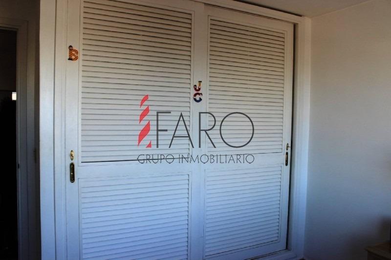 sobre calle gorlero cuenta con living,comedor,1 dormitorio,1 baño,kitchinette,garaje y baulera.-- ref: 36162
